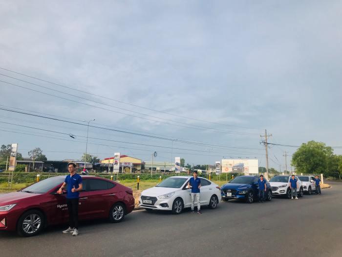 Roadshow giới thiệu các dòng xe Hyundai tại Hàm Thuận Nam