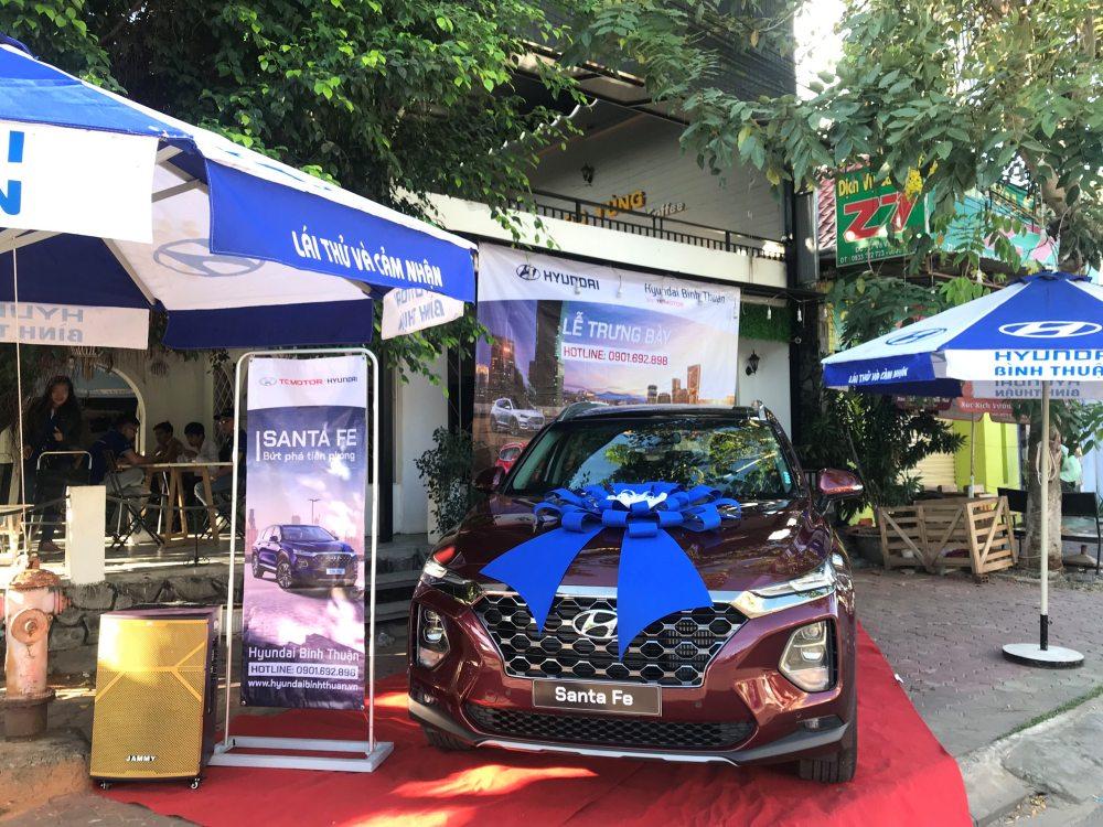 Trưng bày Hyundai Santafe và lái thử tại Cafe Ngọc Tùng