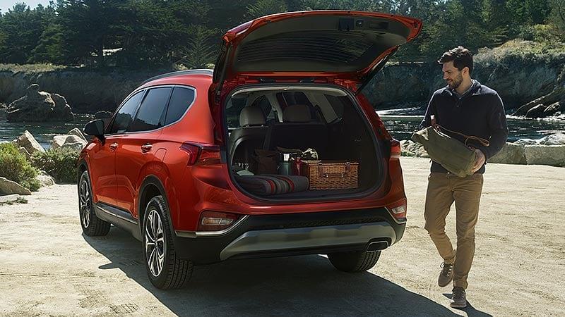 Khoang hành lý Hyundai Santafe 2020