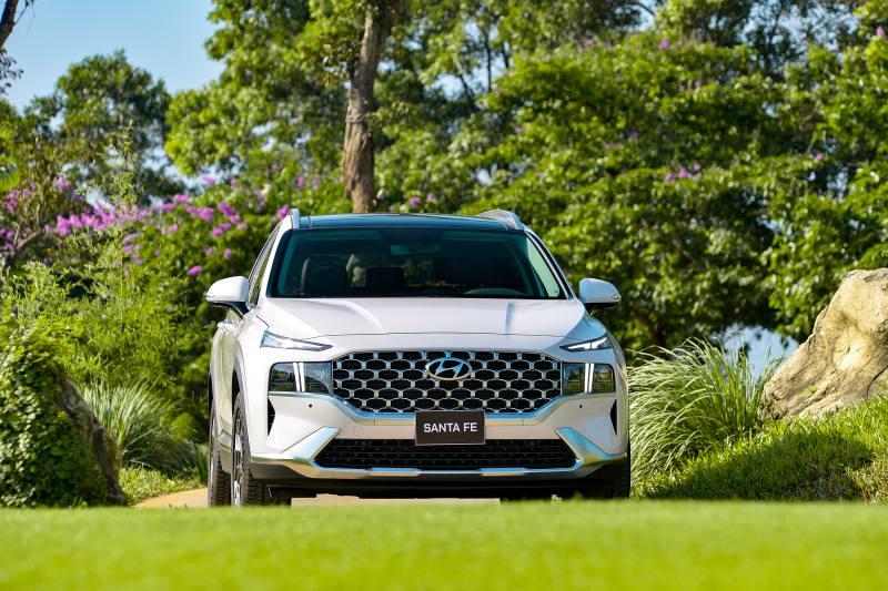 Hyundai SantaFe 2021 chính thức ra mắt với mức giá Hấp Dẫn